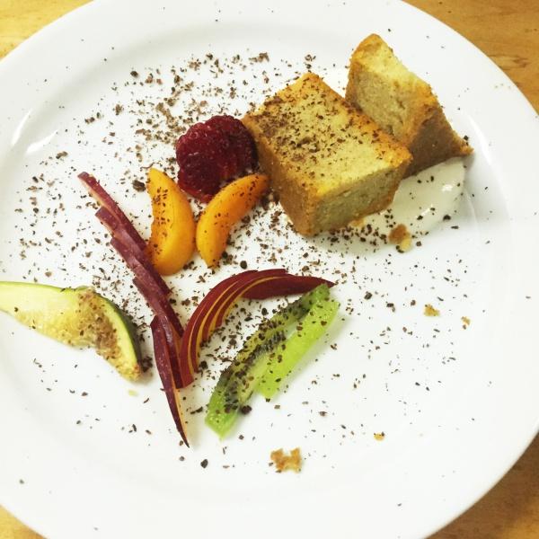 Spugna con giardinetto di frutta