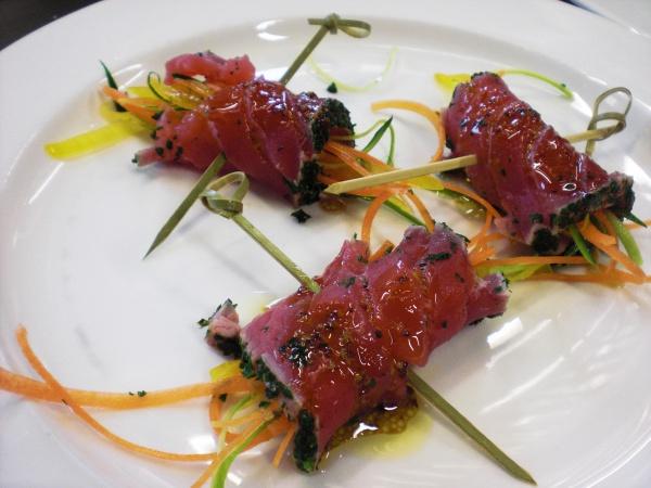 Tataki di tonno con verdure al ghiaccio